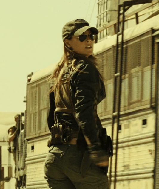 Claire alilarter ali larter outfit Resident evil