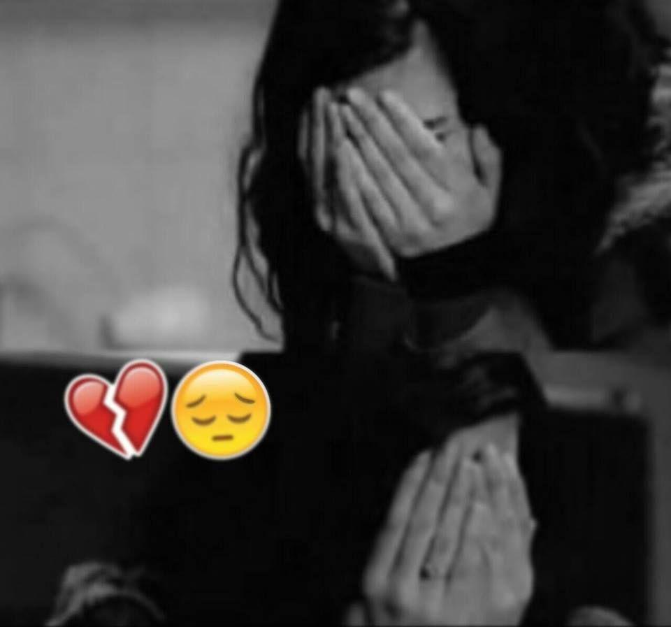 ž qûeêń♥ lonely girl sad girl fake girls crying girl girl