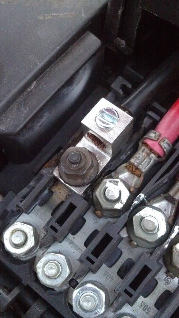 battery fuse box melting on 04 new beetle page 2 newbeetle org rh pinterest com VW New Beetle Fuse Locations Volkswagen Beetle Fuse Box Diagram