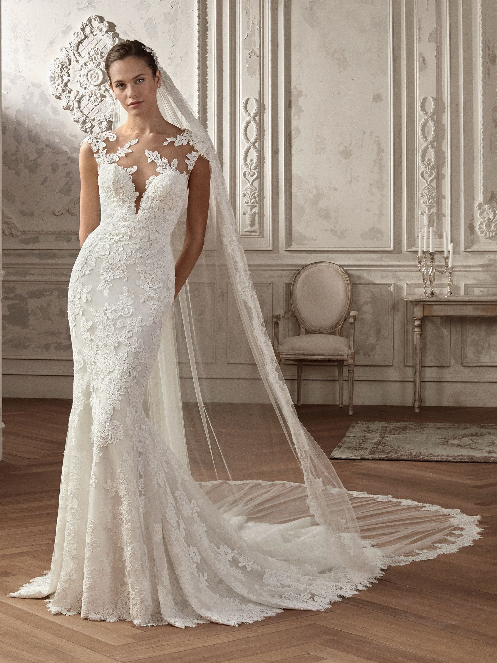 Best wedding dresses for 50 year olds  Sensuality and sweetness Two concepts that blend in this wedding