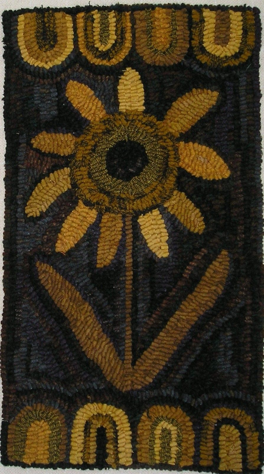 Hand Hooked Rug Early Style Primitive Autumn Sunflower