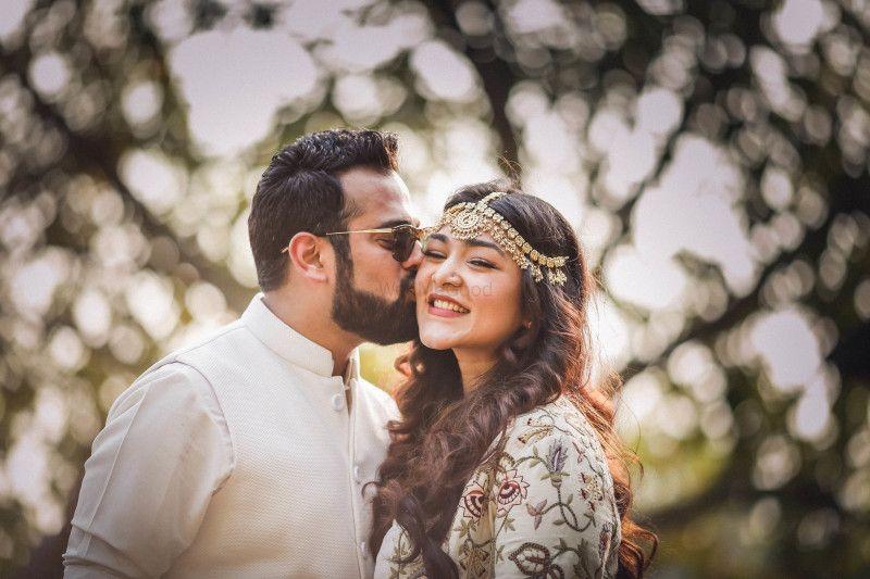 Aakriti & Aditya (Album) | Cute couples kissing, Wedding