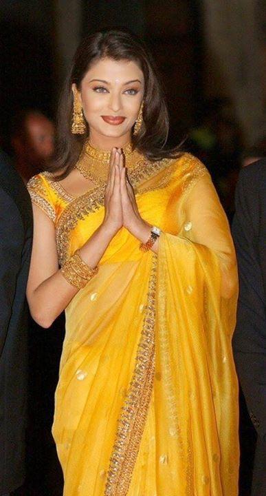 Aishwarya Rai In Yellow Saree Indian Celebrities Bollywood Designer Sarees Indian Designer Outfits