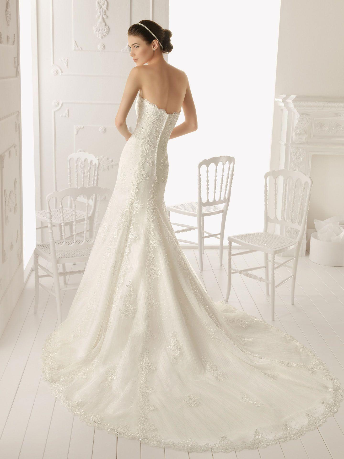 Oldfashionedlacesweethearthalterweddingdress home ue wedding