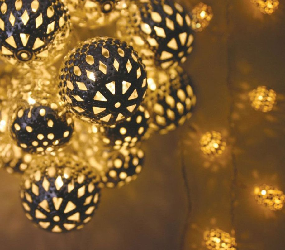 Creative And Unique Indoor Christmas Lighting Ideas Sweet
