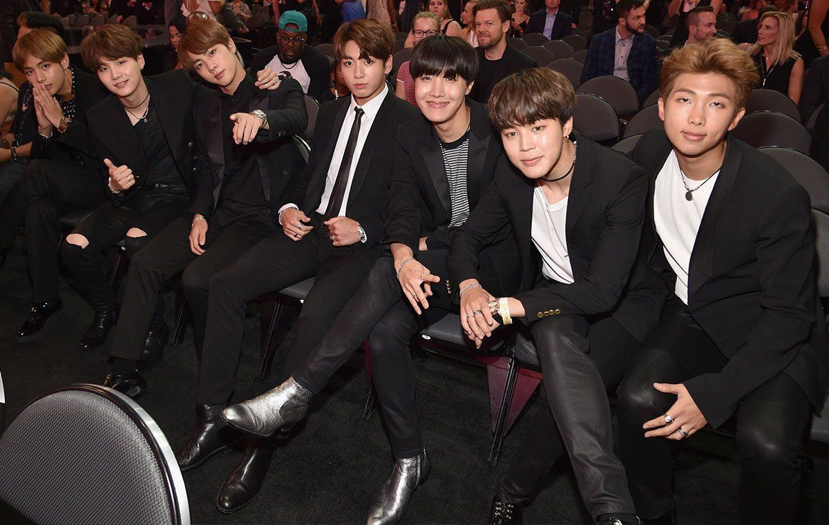 "BTS es destacado por Vogue por su estilo en los ""Billboard Music Awards"" via @soompi"