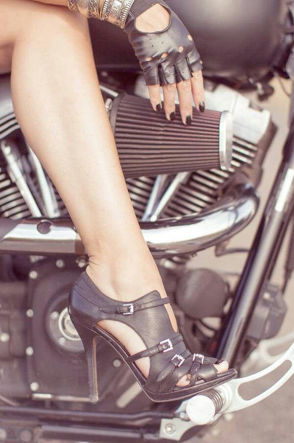 sex heel Girls high riding