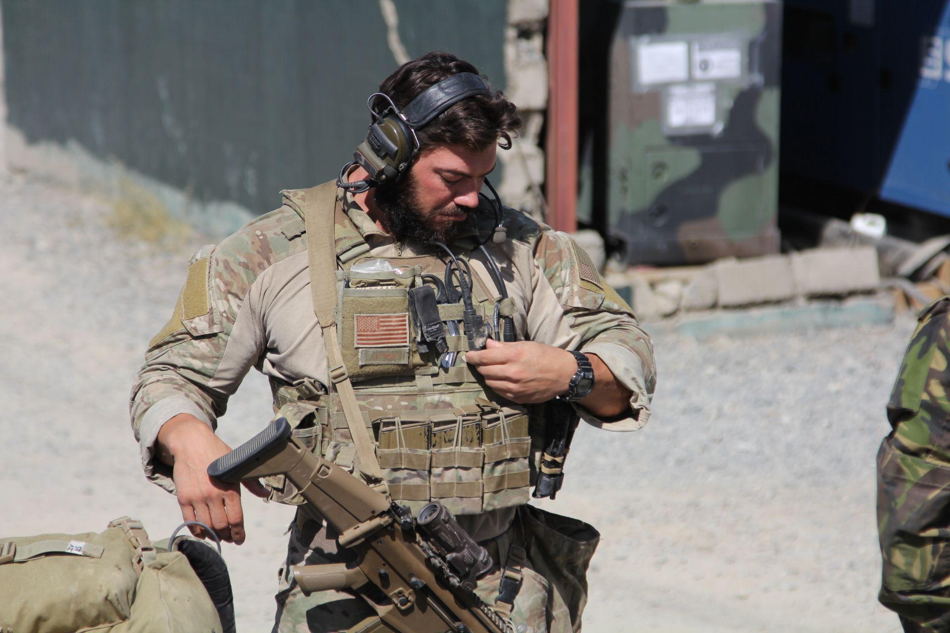 Байден не заканчивает войну в Афганистане, он приватизирует ее: спецназ, контрактники Пентагона и разведчики останутся