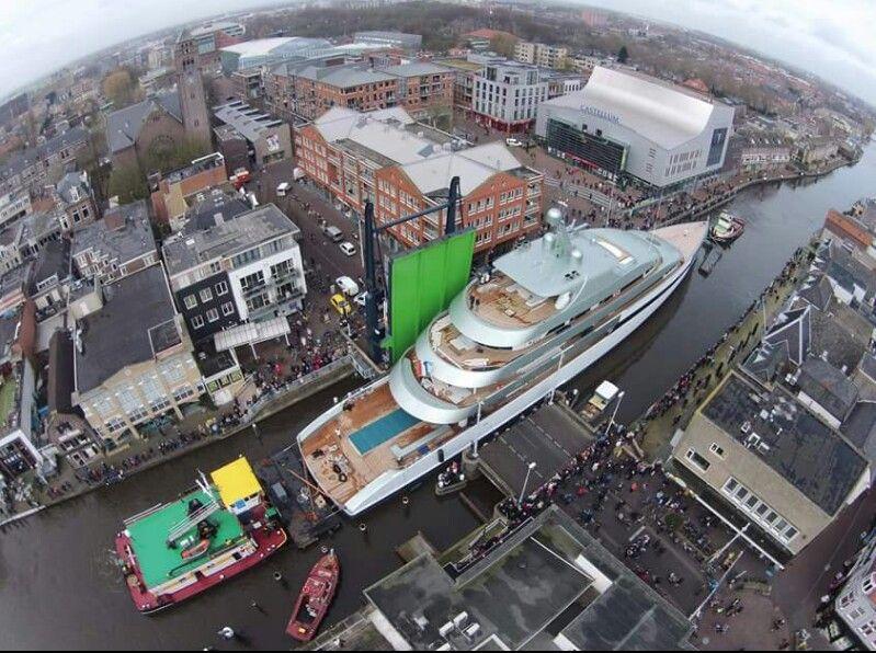 Alphen aan de Rijn bezoek van een miljonair.