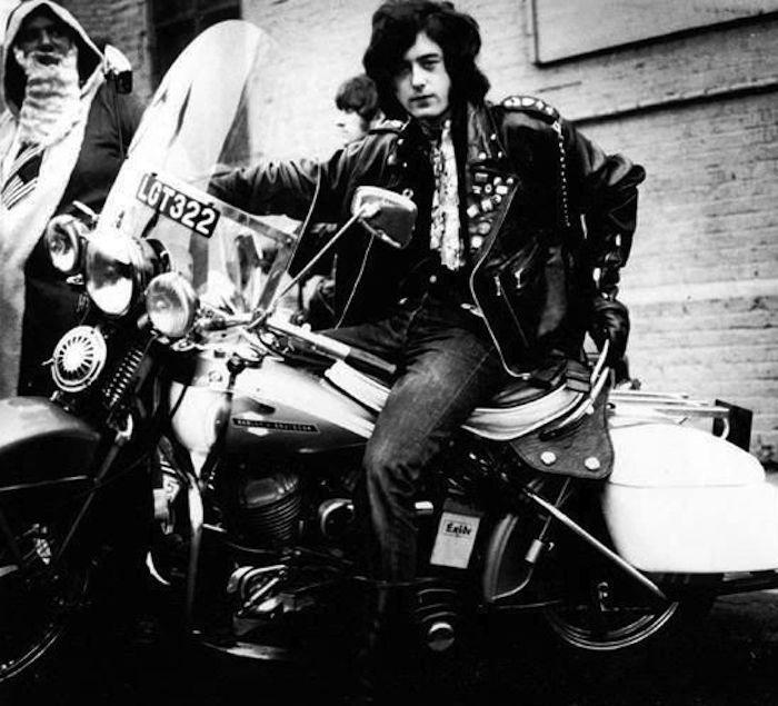Ils ont posé avec une Harley, uniquement les People - Page 16 07e87ca8705551c86fc9ff977d4f8181