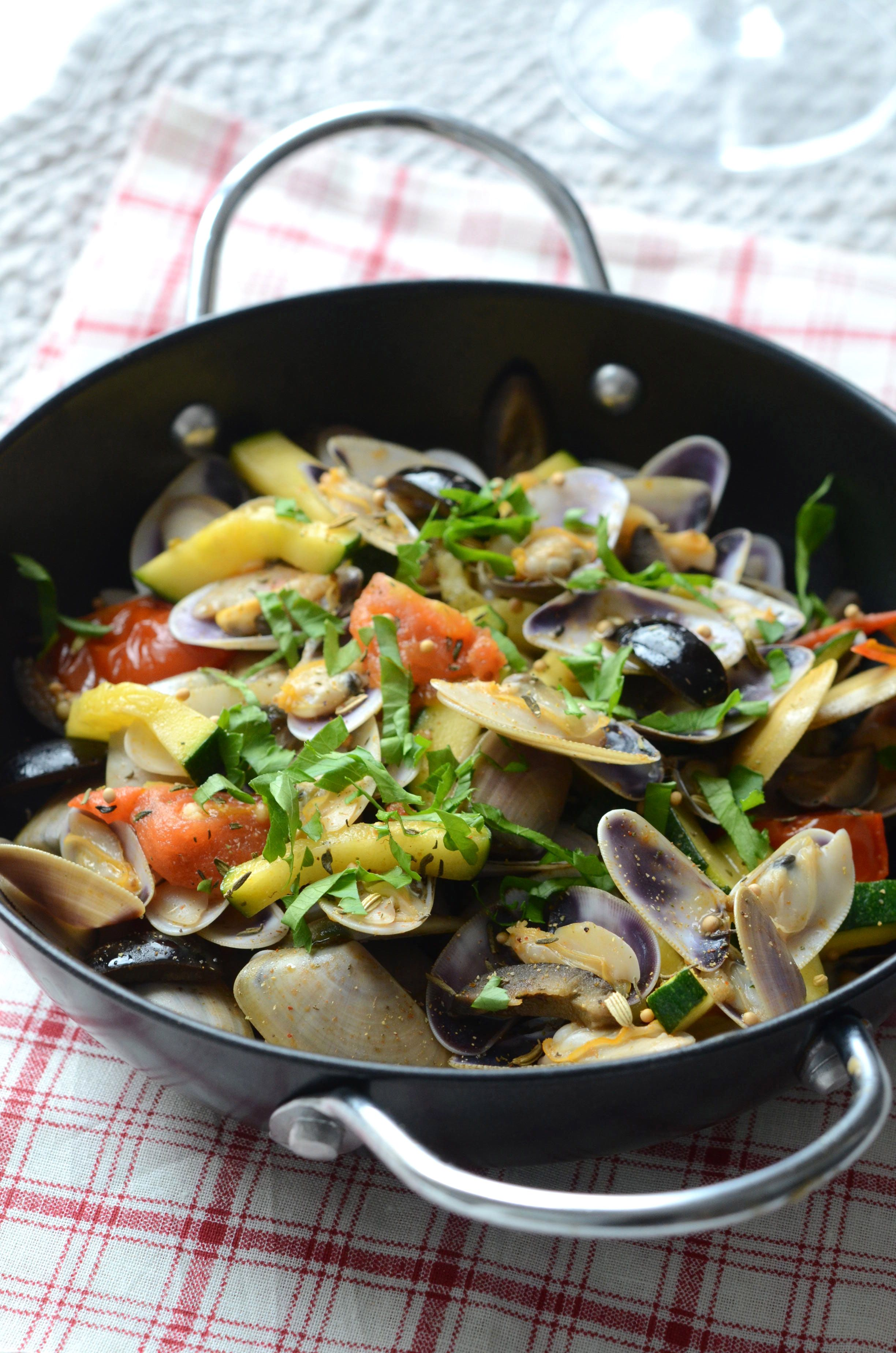 Tellines A La Provencale Cuisine Mediterraneenne Cuisine Plat
