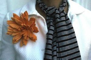 DIY Jewelry DIY Brooch : Make an oversize flower brooch