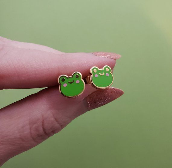 Happy Froggy Earring In 2020 Cute Jewelry Cute Earrings Quirky Earrings