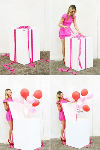 scatola con palloncini sorprese di compleanno sorpresa romantica migliore amico ragazzo anniversario di