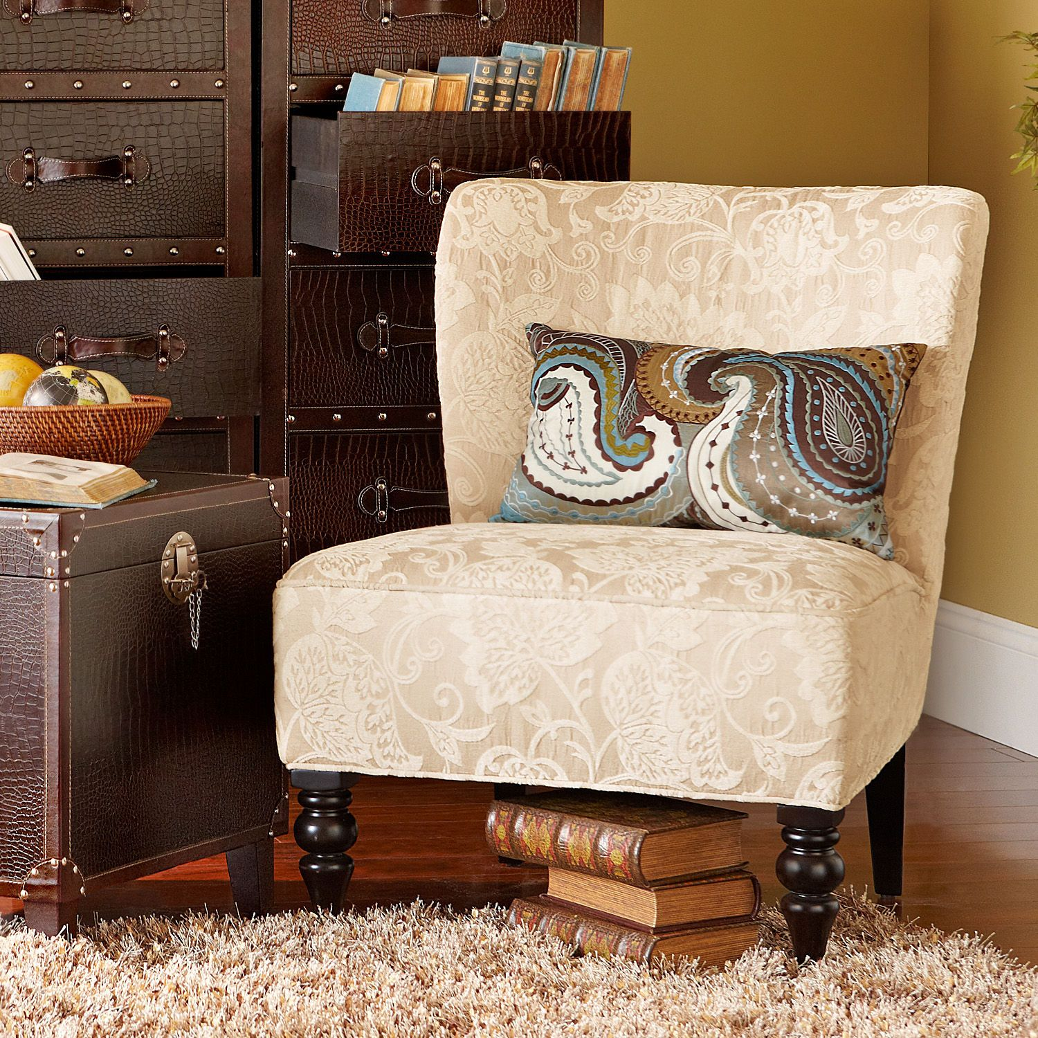 Addyson Chair   Ivory Leaves