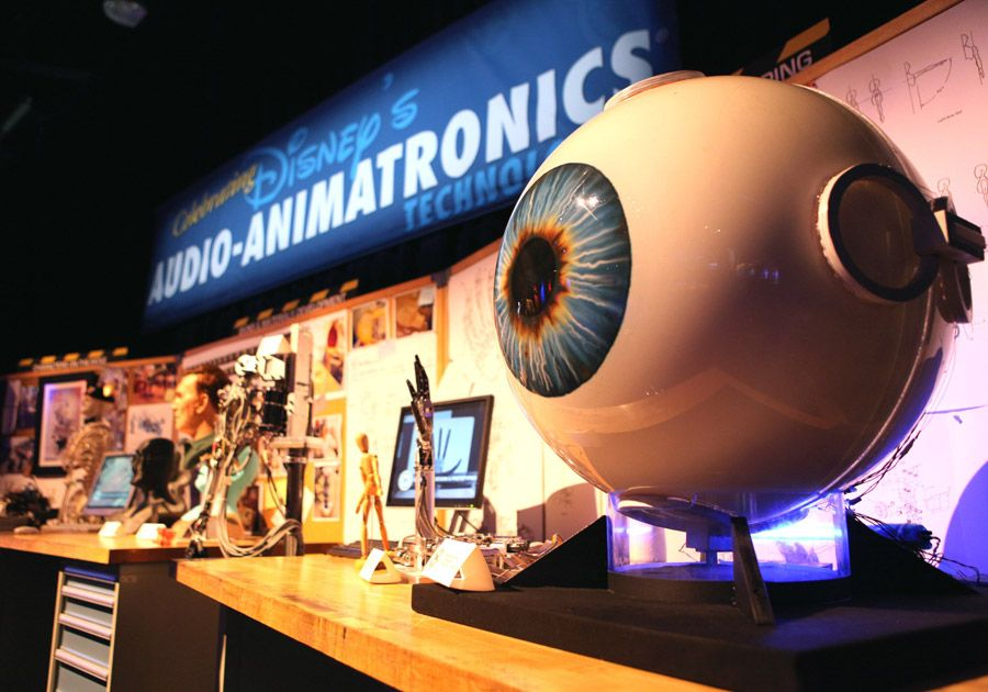 Hands Eyes Convey Emotions For Disney S Audio Animatronics Technology Disney Parks Blog Disney Parks Disney Cruise Line