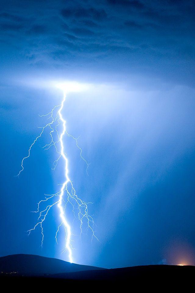 Electricity Iphone Wallpaper Hd Lightning Photography Lightning Photos Lightning Images Lightning wallpaper hd iphone