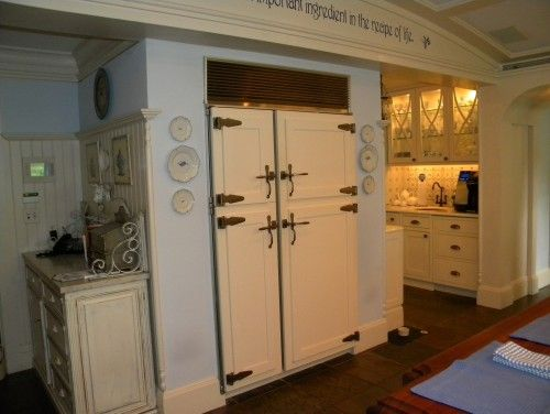 love the beadboard nook with cupboard