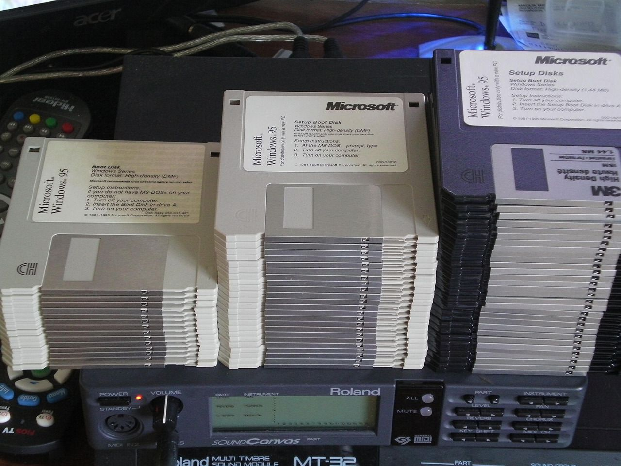 Pin by Jason Combs on e-phemera | Floppy disk, Windows 95, Phone
