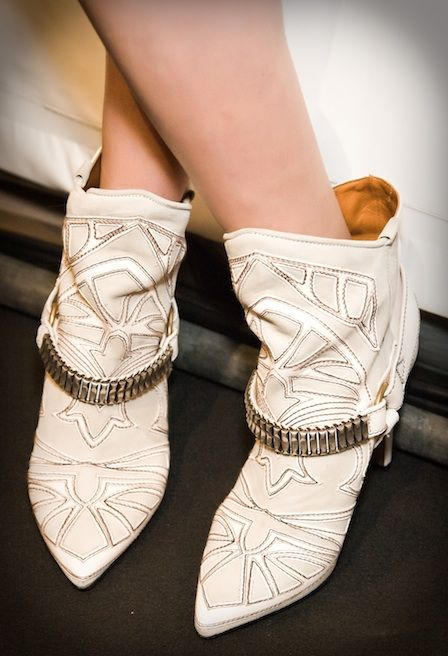 Cowgirls, these slouchy Isabel Marant boots are for you