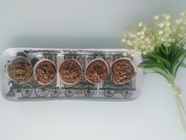 Easy banana and chocolate cupcakes recipe!