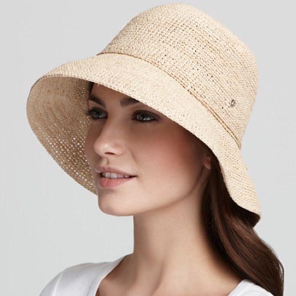 db844d8196a6a Helen Kaminski Provence 8 Raffia Hat Classic Kaminski! The Provence 8 in  Natural has a