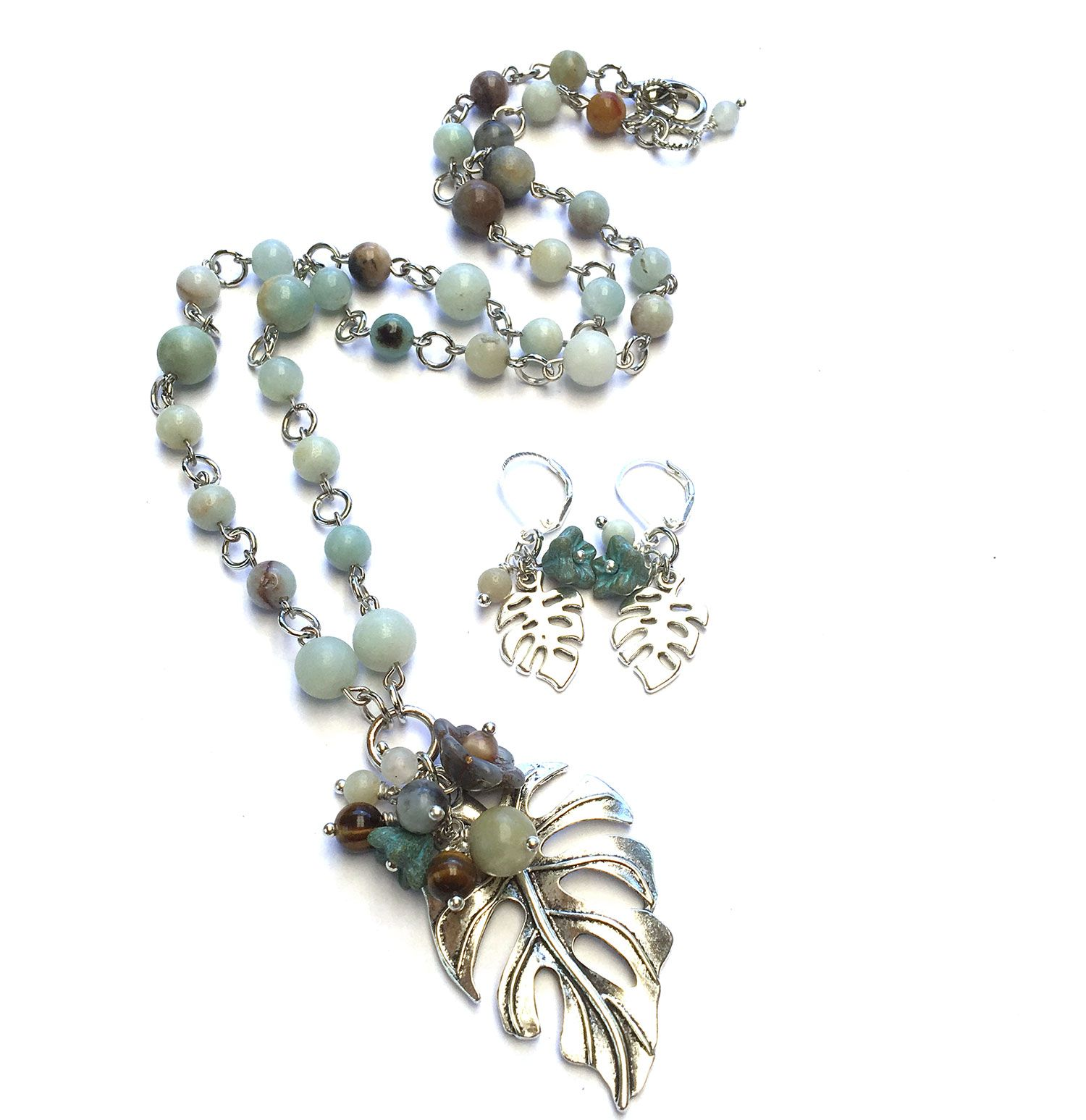 Kit is made up from the gemstone Amazonite with tiger eye
