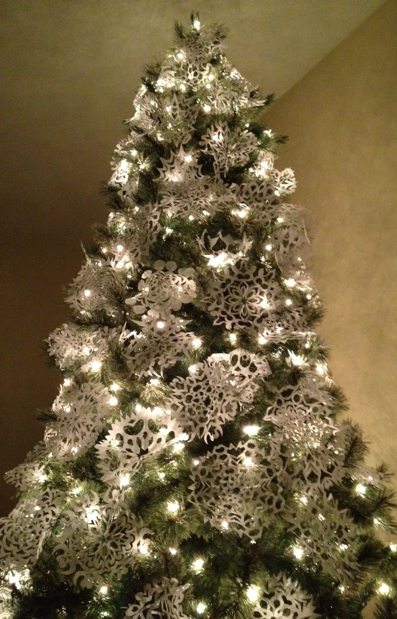 Paper Snowflake Christmas Tree simple & elegant