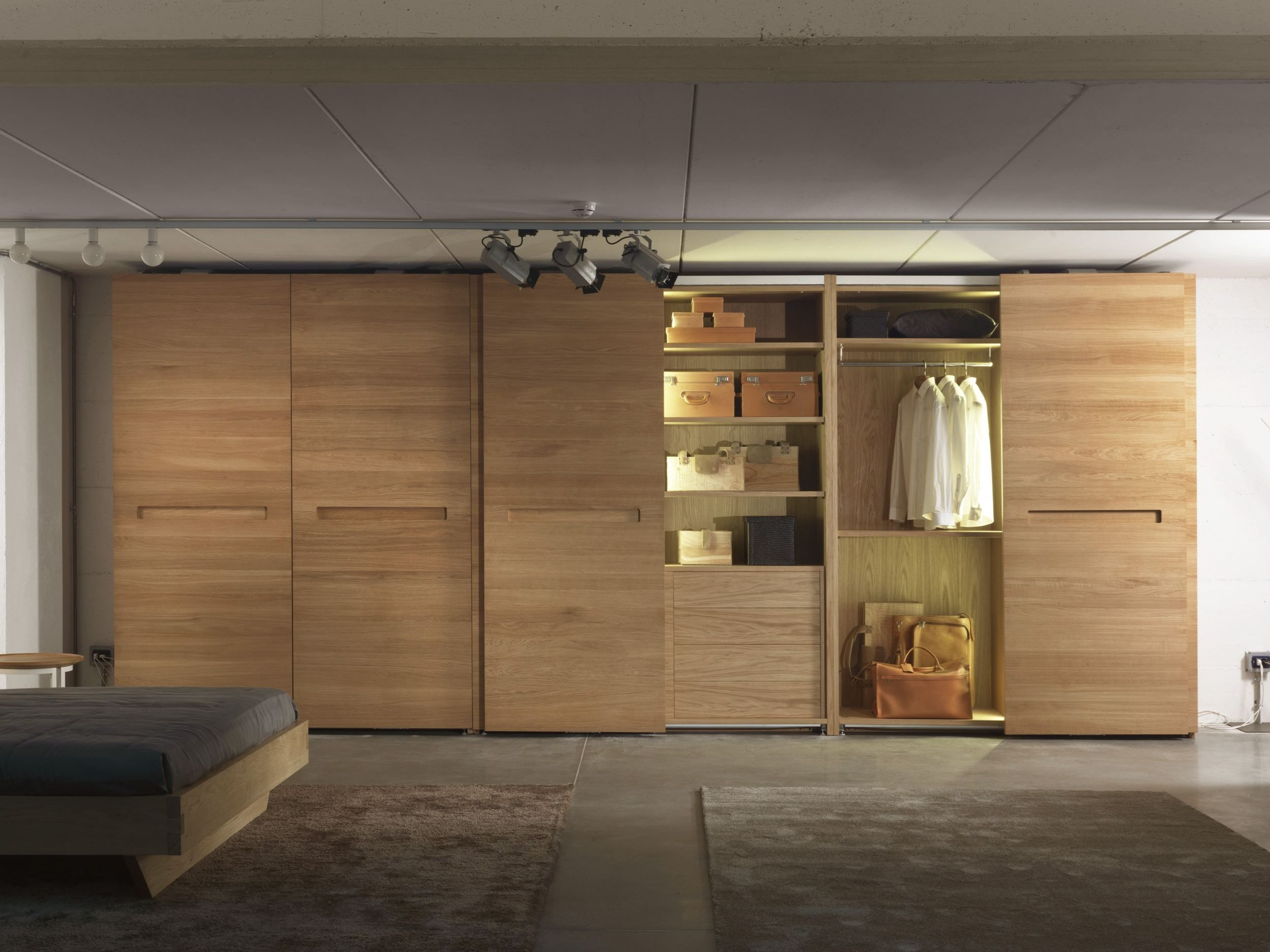Solid wood wardrobe with sliding doors PLANO by Riva 1920