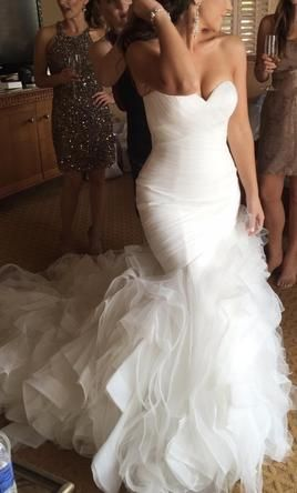 4d63714966ef7 Pronovias Mildred 4: buy this dress for a fraction of the salon price on  PreOwnedWeddingDresses.com
