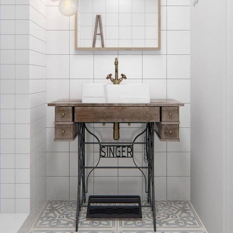 La célébre machine à coudre Singer se transforme en lavabo pour