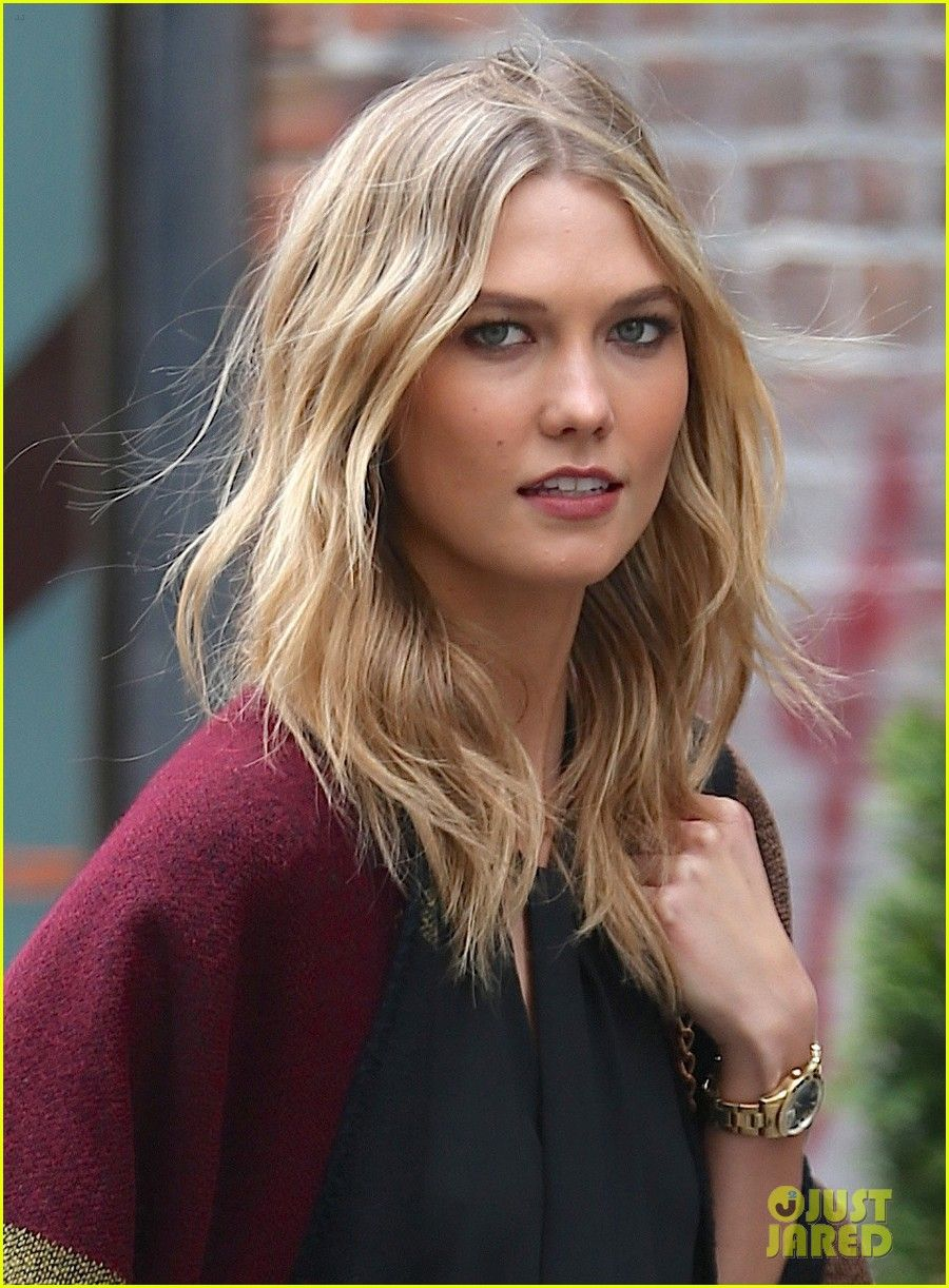 braless Is a cute Karlie Kloss naked photo 2017
