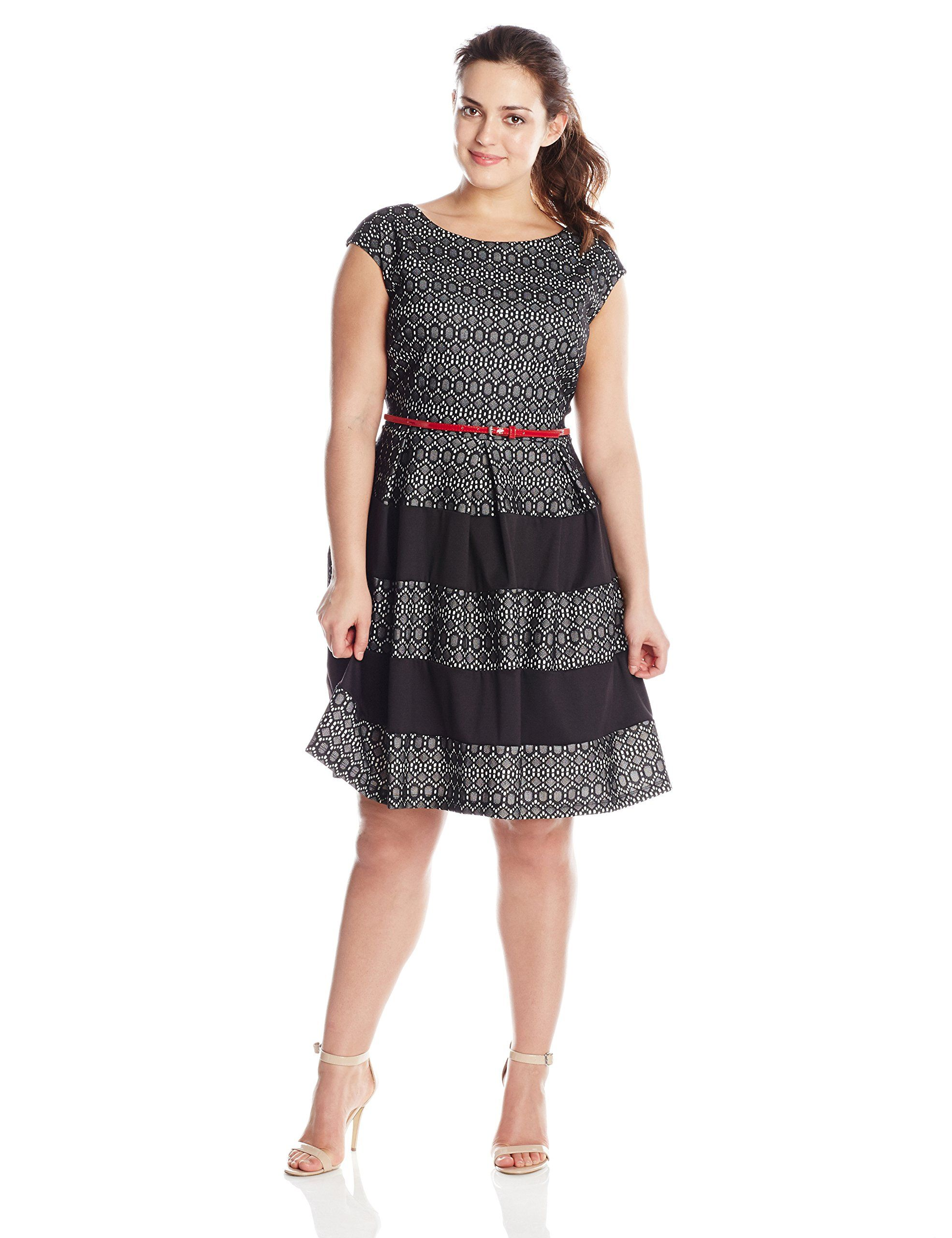 4c3ac04d112 Tiana B Women s Plus-Size Cap Sleeve Lace Fit and Flare Dress