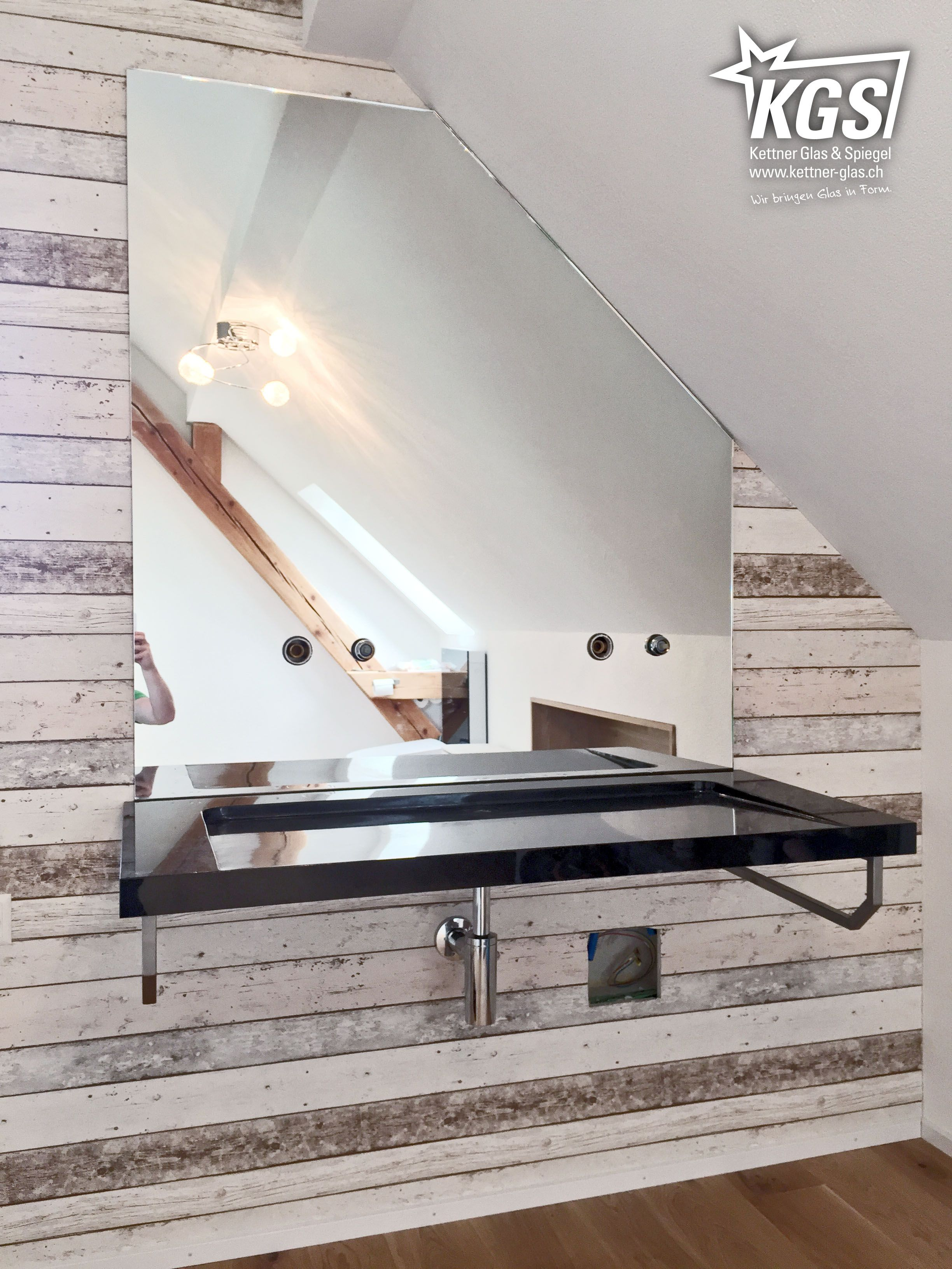 badezimmerspiegel mit eckabschnitt f r dachschr ge und lochbohrungen f r die wasserarmaturen. Black Bedroom Furniture Sets. Home Design Ideas