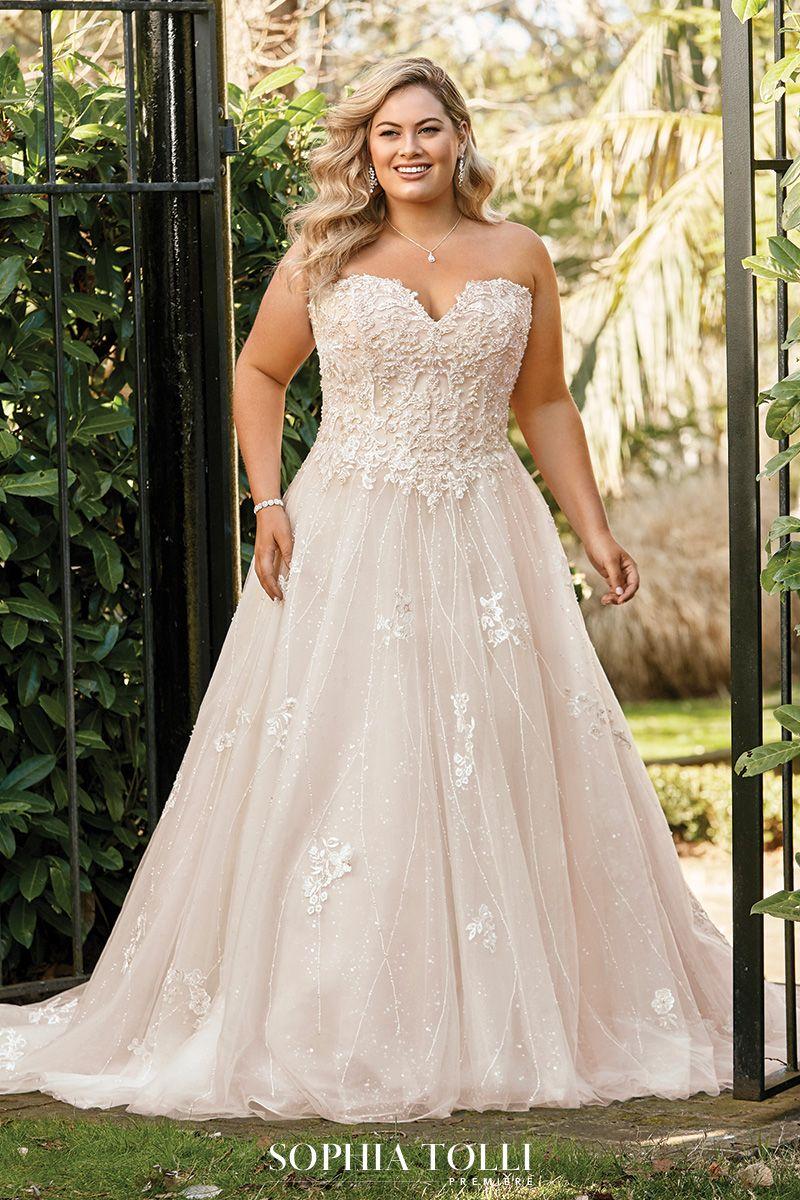 Sophia Tolli Aspen Description Introducing Aspen The First Sophia Tolli Premiere Style Of In 2020 Dream Wedding Dress Lace Wedding Dresses Lace Winter Wedding Dress