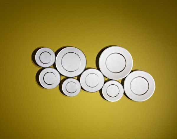 Curl Mirror - A small attractive mirror made of small circles ...