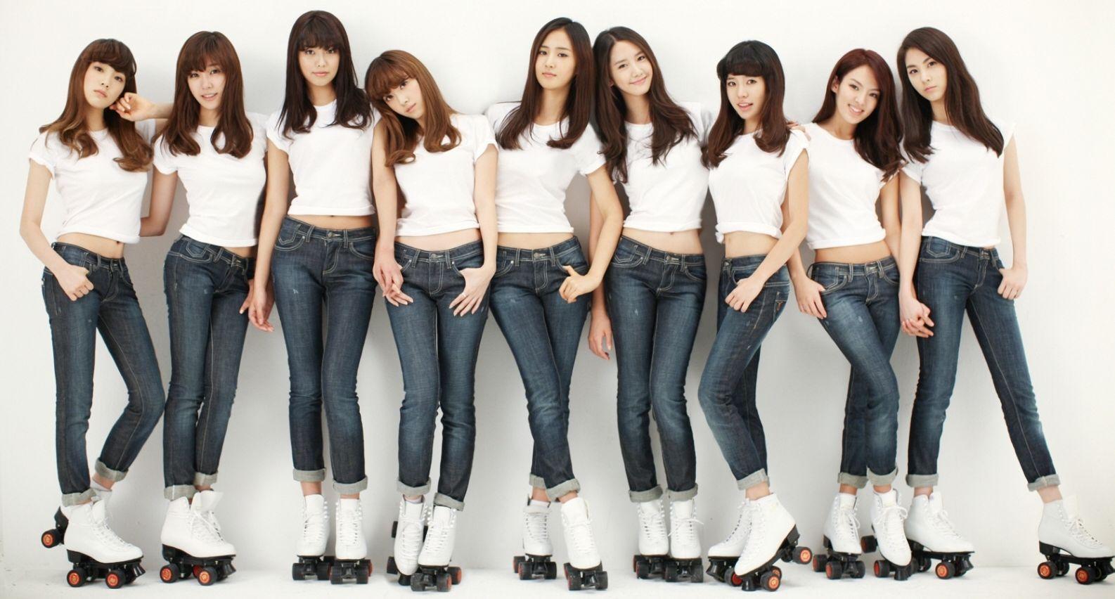 girls-geneartion-jeans-roller-skates-navels.jpg (JPEG Image, 1586×852 pixels) - Scaled (92%)