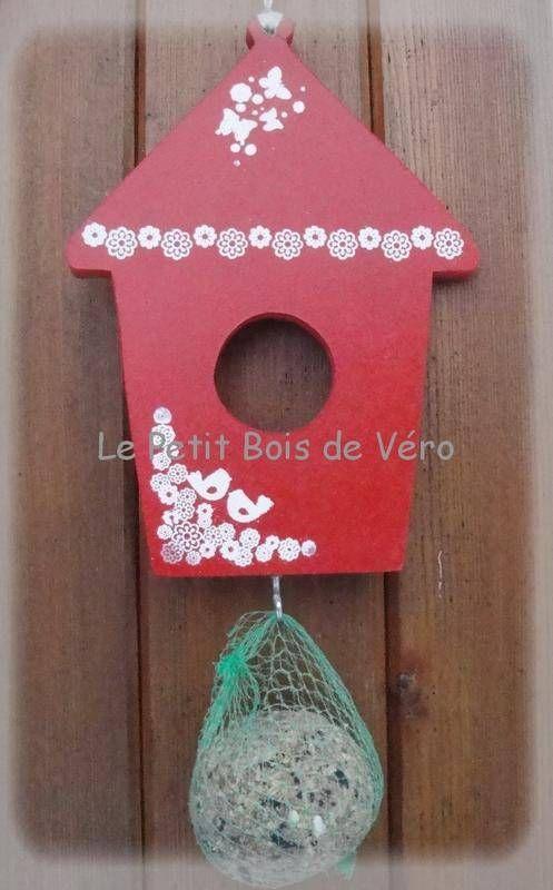 nouveaute mangeoire pour oiseaux animaux le petit bois de v ro fait maison le petit. Black Bedroom Furniture Sets. Home Design Ideas