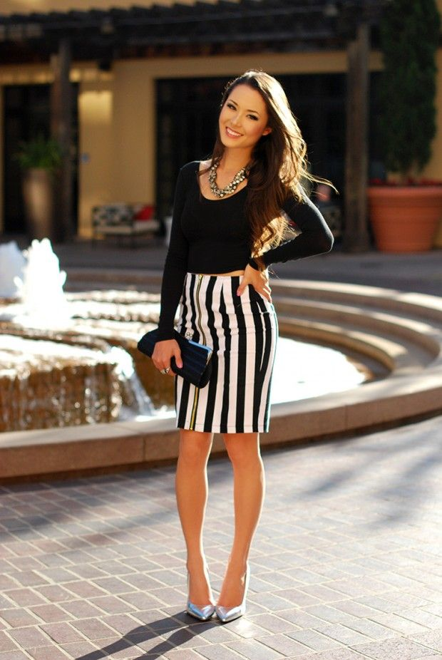 fcacd81751a 18 Stylish Outfits with Statement Necklaces for Spring and Summer Days -  Style Motivation Jessica Ricks