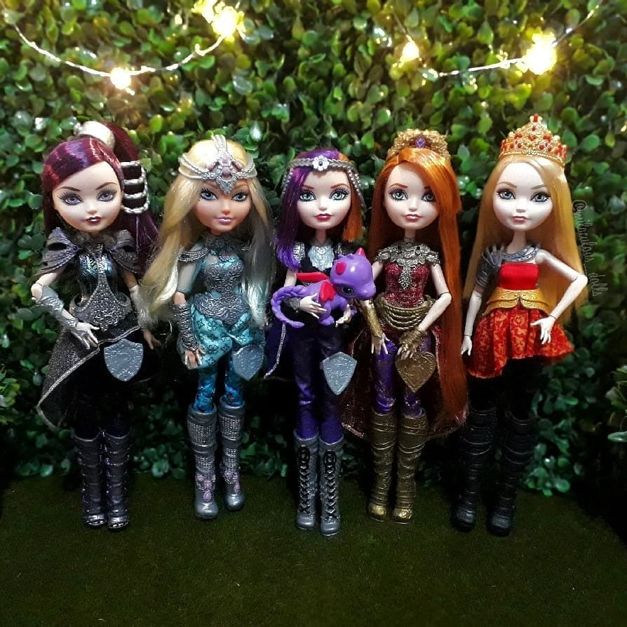 Barbie Ever After High Looks