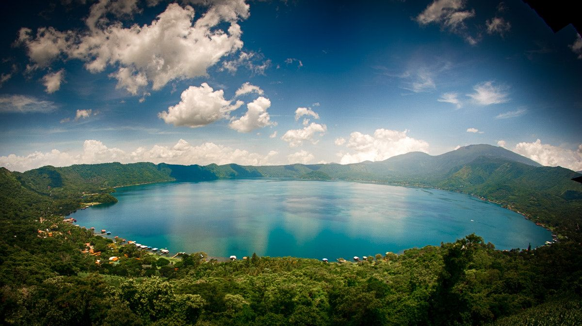 Lago De Coatepeque Lago De Coatepeque Is Located In El Salvador It Is A Crater Lake In An O Most Beautiful Places Beautiful Places Oh The Places You Ll Go