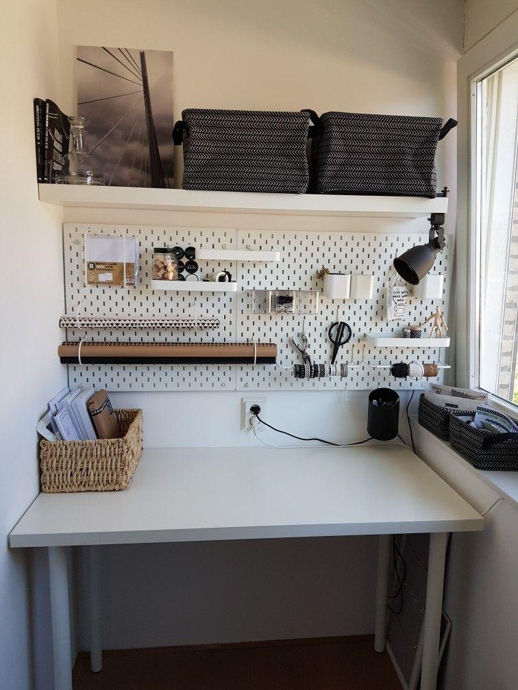 Knutselhoek Zwartwit Knutsel Kraft Kadootjesinpakken In 2020 Arbeitszimmerideen Ikea Ideen Wohnen
