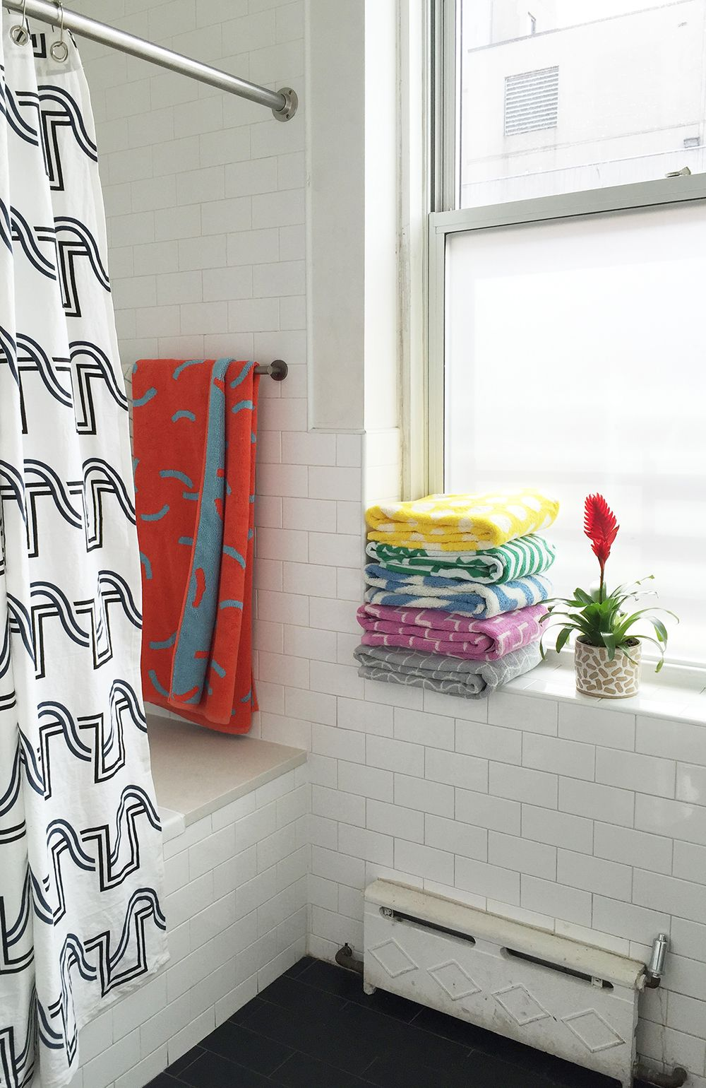 Bath Towels And Beach Towels From Dusen Dusen Click Through To - Orange patterned towels for small bathroom ideas