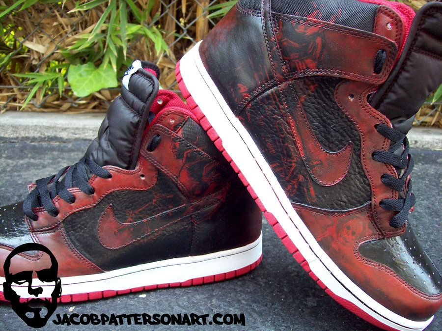Nike Dunks x Gears of Wars by Jacob Patterson