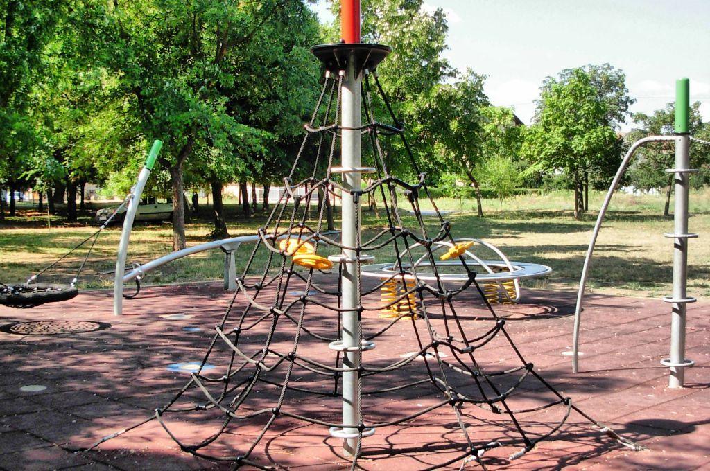 Zrenjanin 2015 - Playground for Children - Bagljas