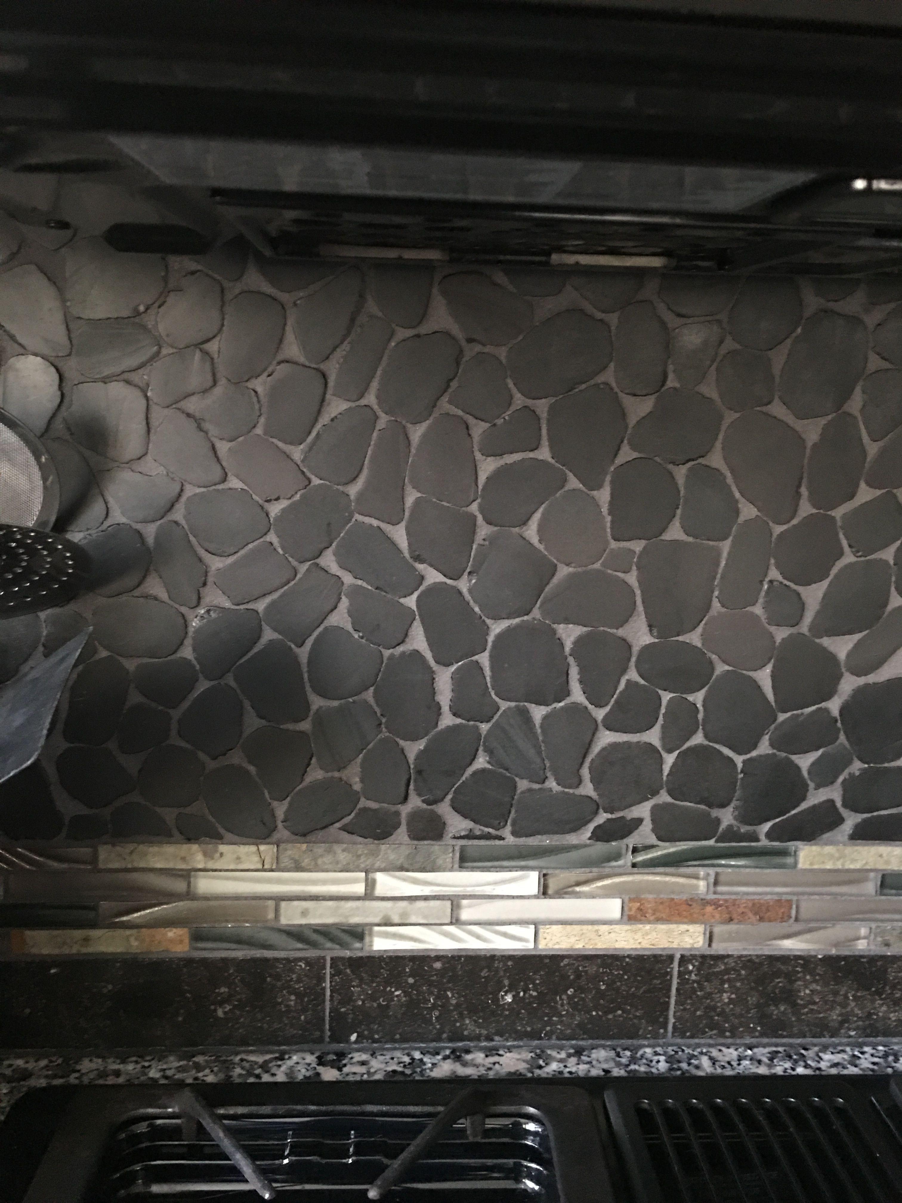 Black Pebble Gl And Stone Edge