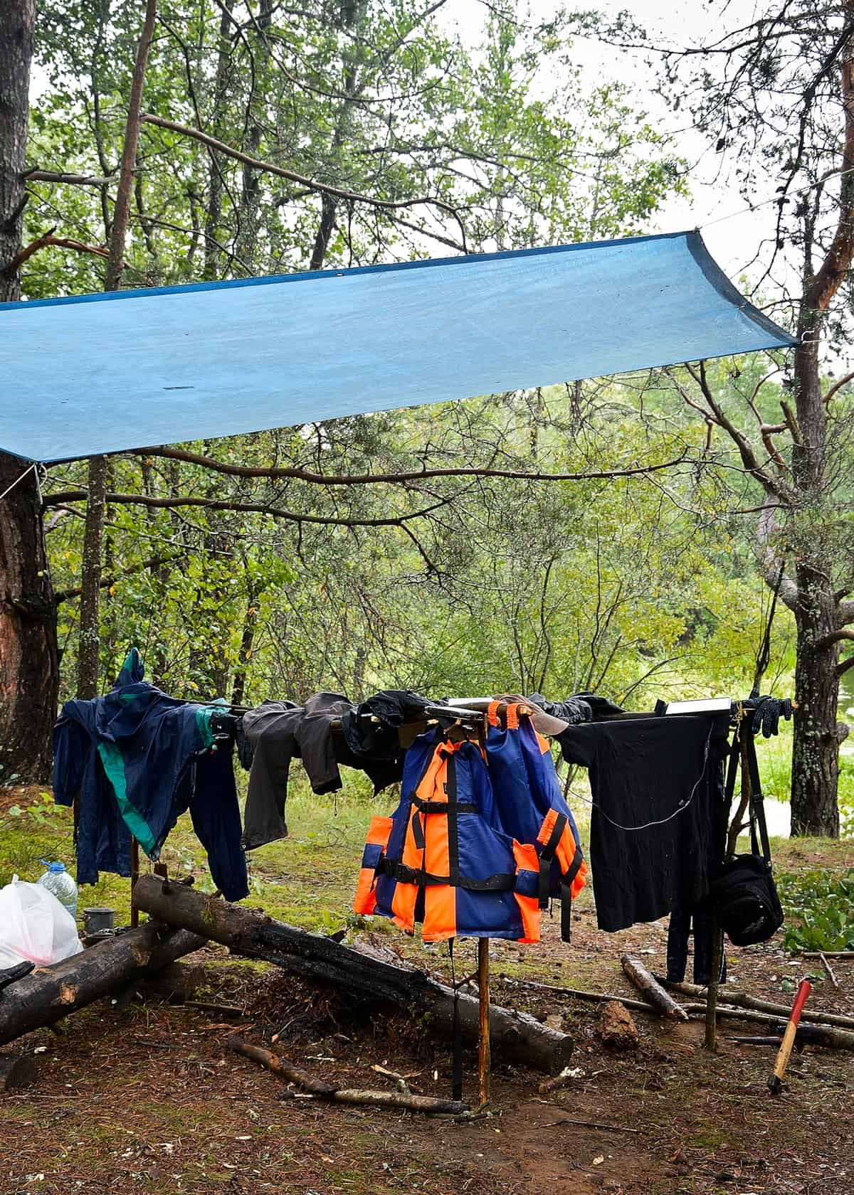 5 Best Camping Tarps For Dry Trips 7 Factors Plus Setup Tips Camping Tarp Camping Locations Camping And Hiking