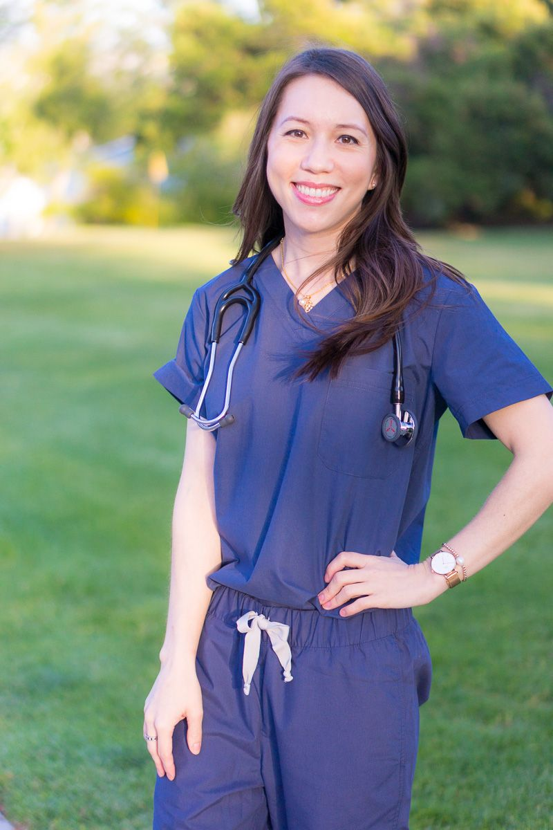 petite-nurse-scrubs