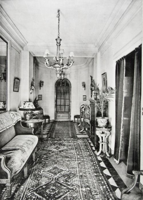 Pin By Savannah Mccarty On Vintage 1920s Apartment 1920s Home Decor 1920s House American Home Design
