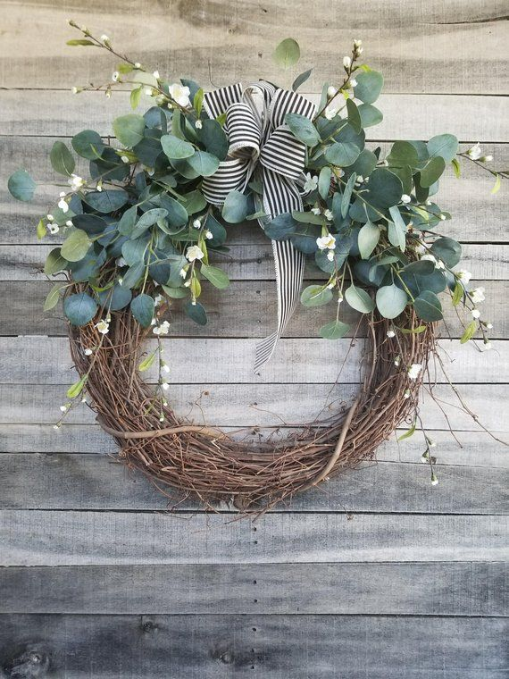 26 Eucalyptus Wreath with a touch of little white flowers Wreath for All Year Round - Everyday Burlap Wreath, Door Wreath, Wedding Wreath #howtomakeabowwithribbon